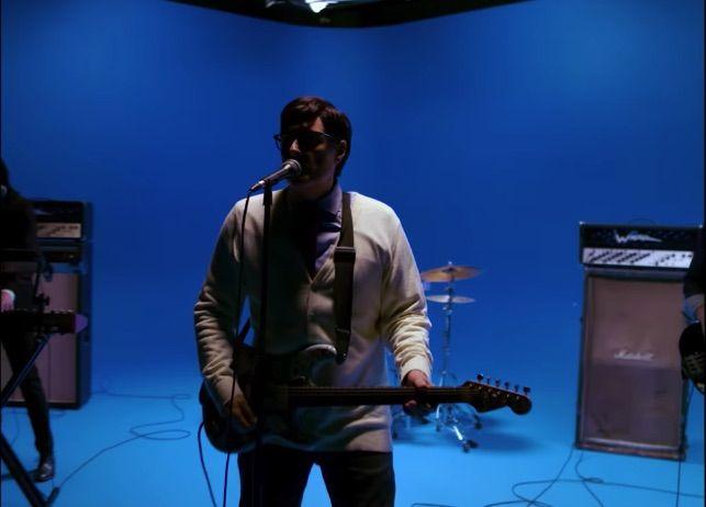 Mira el video de 'Africa' de Weezer - Autopista Rock